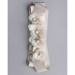 NEW WHITE BY VERA WANG Floral Sash in Soft White
